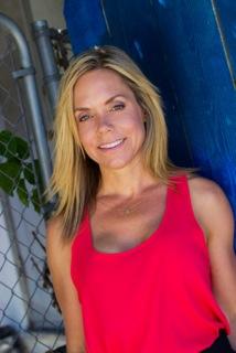 Teresa Marie Howes of SkinnyTinnis