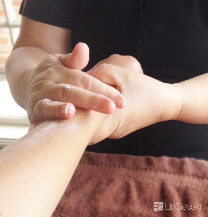 manicure massage